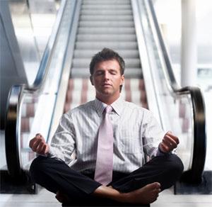 Laia Monserrat - empresa saludable - ejecutivo meditando