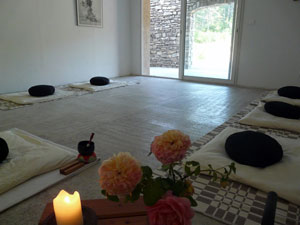 retiros zen Laia Monserrat - sala de meditación